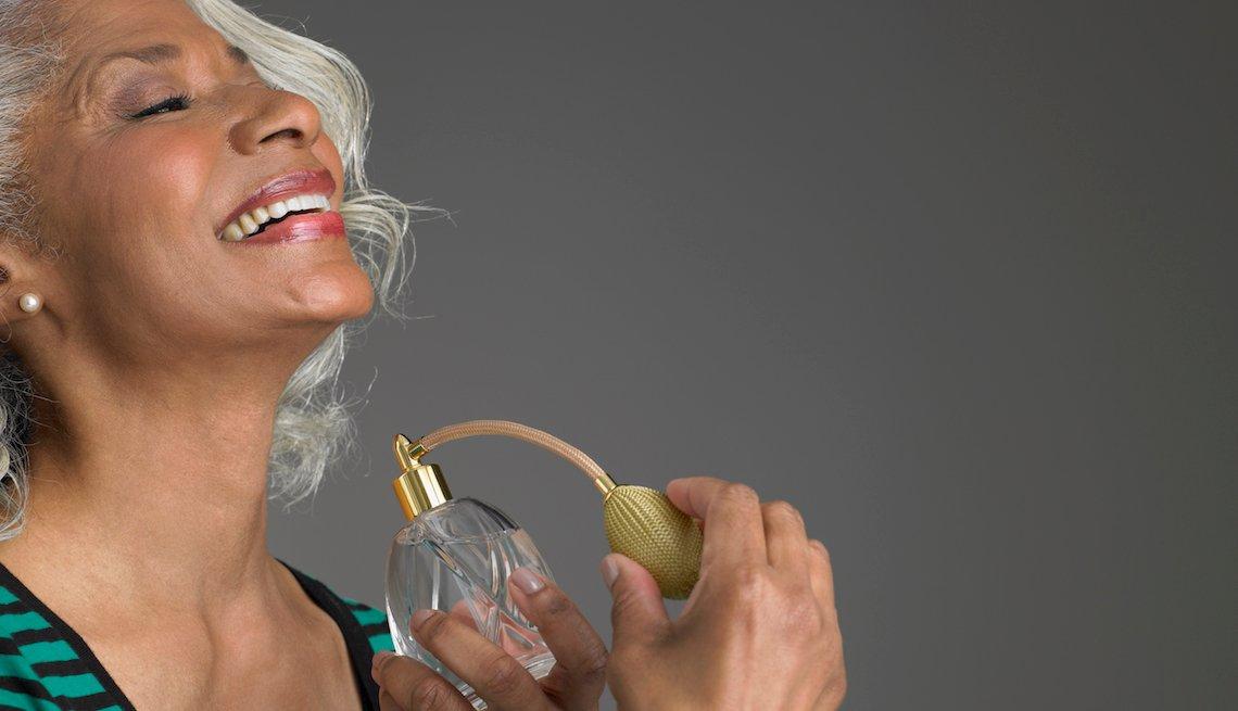 ویژگی عطر برای زنان میانسال