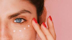 کرم دور چشم برای رفع سیاهی