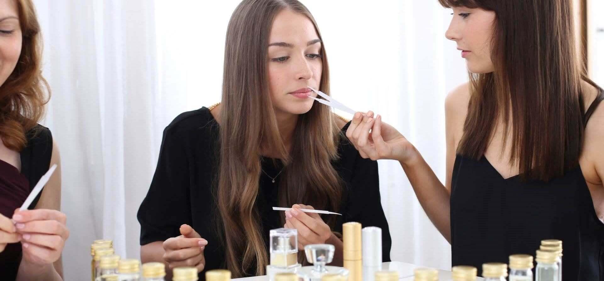 چرا با گذشتن تاریخ انقضا بوی عطر شما تغییر میکند؟